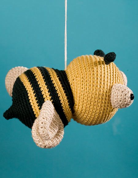 Yarn Bee Knitting Patterns : Jonathan the Bee Crochet Toy Pattern - Knitting Patterns and Crochet Patterns...