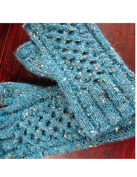 Wanna Hold Your Hands Mittens - Knitting Patterns and Crochet Patterns from K...