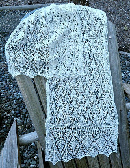 Estonian Flamingo Lace Stole or Scarf - Knitting Patterns and Crochet Pattern...