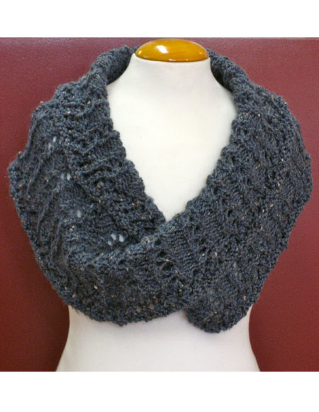 Wrapped in Lace Moebius Wrap - Knitting Patterns and Crochet Patterns from Kn...