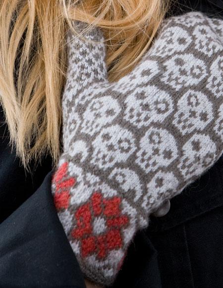 Skull Knitting Pattern : Skulls & Flowers Mittens - Knitting Patterns and Crochet Patterns from Kn...