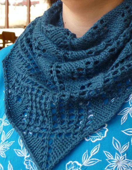 Ginkgo Leaf Shawlette - Knitting Patterns and Crochet Patterns from KnitPicks...
