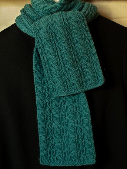 Cable Lovers Reversible Scarf - Knitting Patterns and Crochet Patterns f...