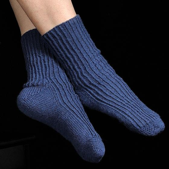 Toe Up Knitted Sock Pattern Free : Toe-Up Twisted Knit Rib Socks - Knitting Patterns and Crochet Patterns from K...