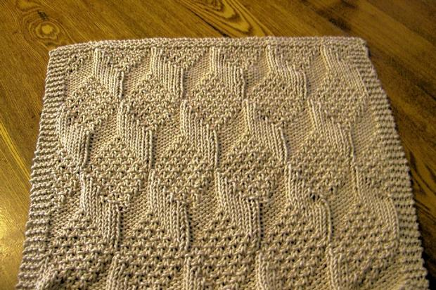 Knitting Reversible Lace Stitches : Really Reversible Towels - Knitting Patterns and Crochet Patterns from KnitPi...