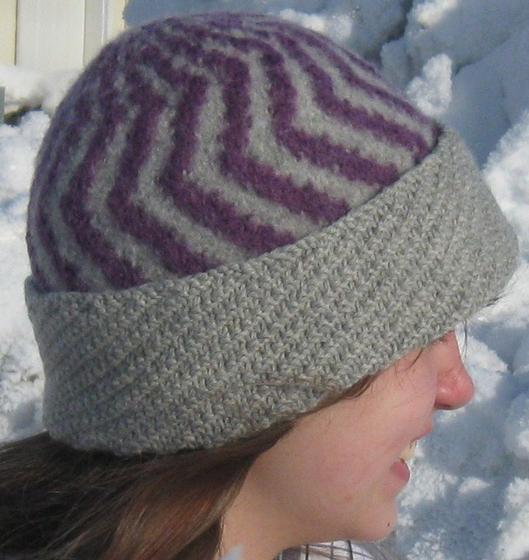 Felted Hat Knitting Pattern : The Two Color Felted Hat - Knitting Patterns and Crochet Patterns from KnitPi...