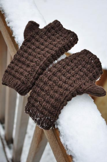 Waffle Knit Mitts - Knitting Patterns and Crochet Patterns from KnitPicks.com