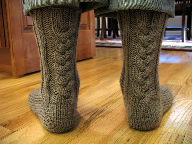 Mens Sock Knitting Pattern : Handsome Mens Slipper Socks - Knitting Patterns and Crochet Patterns fro...