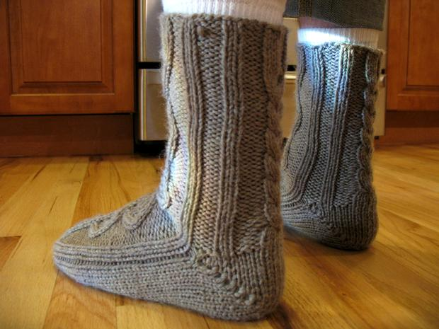 Handsome Mens Slipper Socks - Knitting Patterns and Crochet Patterns fro...