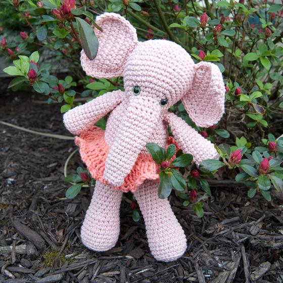 Morris & Matilda Amigurumi Crochet Elephants - Knitting Patterns and Croc...