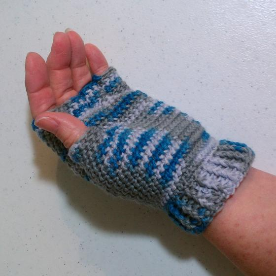 Half-finger Crochet Gloves - Knitting Patterns and Crochet Patterns from Knit...