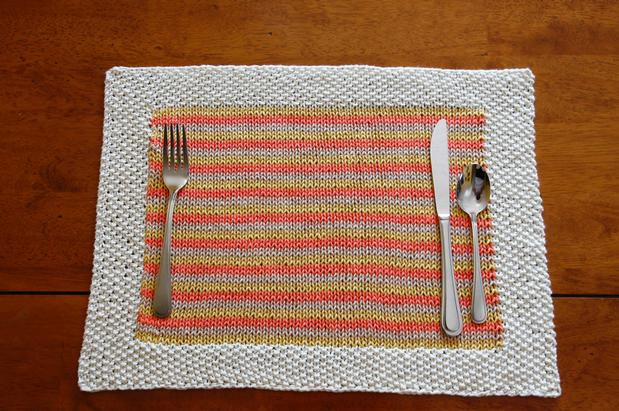 Knitted Placemat Patterns : At-Home Dining: Placemat - Knitting Patterns and Crochet Patterns from KnitPi...