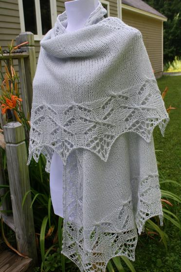 Lucky Quatrefoil Shawl - Knitting Patterns and Crochet Patterns from KnitPick...