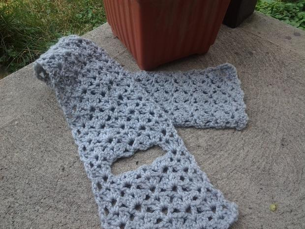 Free Crochet Patterns Keyhole Scarf : Double Fan Stitch Keyhole Crochet Scarf - Knitting ...