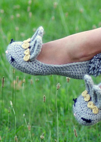 Free Crochet Pattern For Bunny Slippers : Womens Crochet Bunny Slippers - Knitting Patterns and ...
