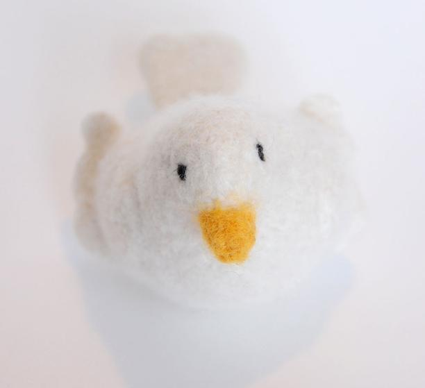 Picassos Peace Dove - Knitting Patterns and Crochet Patterns from KnitPi...