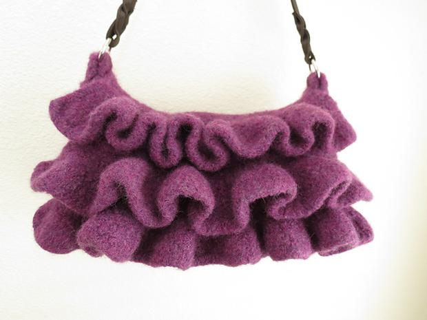 Amethyst Ruffle Felted Purse - Knitting Patterns and Crochet Patterns from Kn...