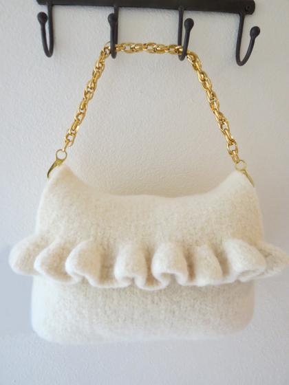 Knit Pattern Ruffle Bag : Ruffle Purse - Knitting Patterns and Crochet Patterns from KnitPicks.com