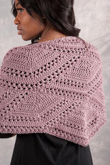 Crochet Pattern For Small Shawl : Closing Fans Crochet Shawl - Knitting Patterns and Crochet ...