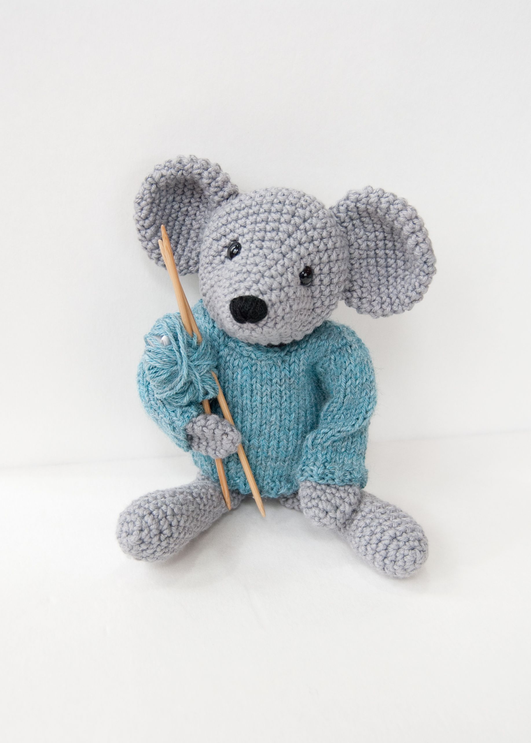 Mouse Pattern - Knitting Patterns and Crochet Patterns from KnitPicks.com