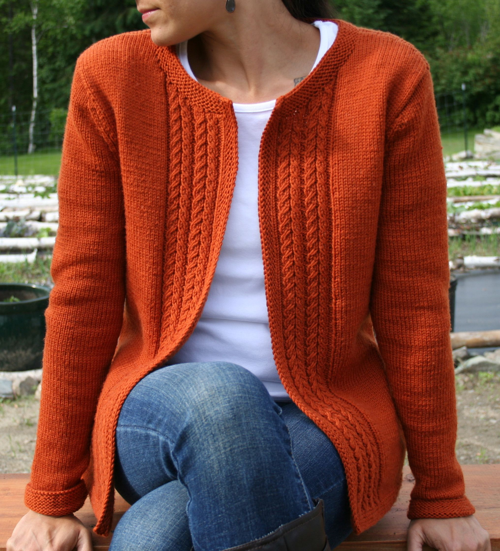 Knitting Pattern Women s Sweater : Casual Cardigan Pattern - Knitting Patterns and Crochet Patterns from KnitPic...