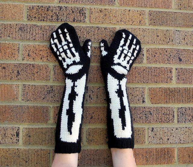 Skeleton Knitting Pattern : Skeleton Mittens Pattern - Knitting Patterns and Crochet Patterns from KnitPi...