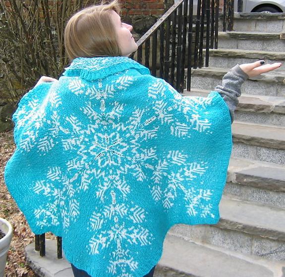 Stranded Knitting Patterns : Snowflake Stranded Shawl - Knitting Patterns and Crochet Patterns from KnitPi...