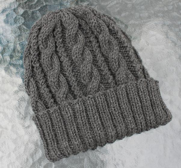 Sideways Knitting Patterns Free : Cables & Twists Hat - Knitting Patterns and Crochet Patterns from KnitPic...