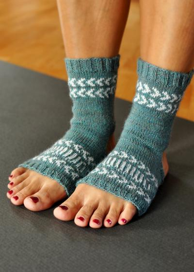 Knitting Pattern For Yoga Socks : Fair Isle Yoga Socks - Knitting Patterns and Crochet ...