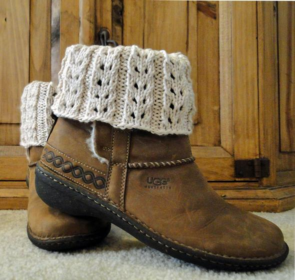 Knitting Patterns Free Boot Cuffs : Eyelet Ivory Boot Cuffs - Knitting Patterns and Crochet ...