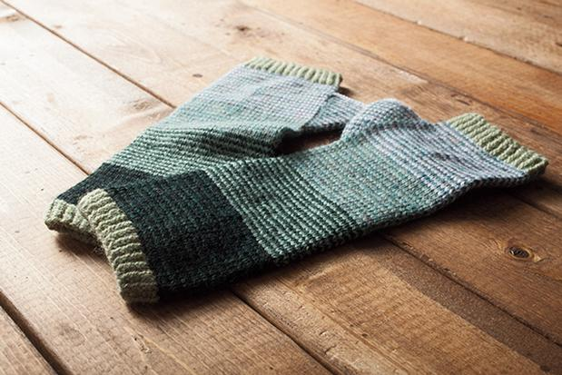 Scrunchy Ombre Arm Warmers - Knitting Patterns and Crochet Patterns from Knit...
