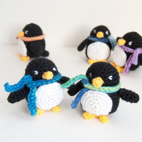 Tutorial Amigurumi Pinguino : Little Penguin Amigurumi - Knitting Patterns and Crochet ...