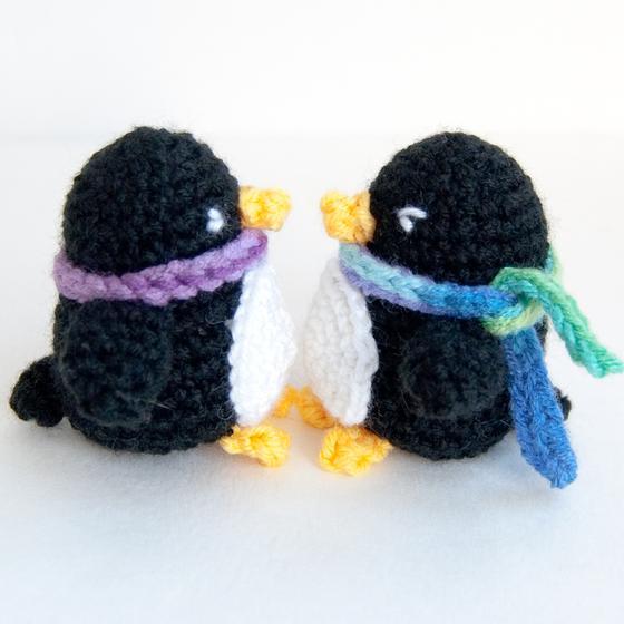 Amigurumi Patterns Penguin : Little penguin amigurumi knitting patterns and crochet