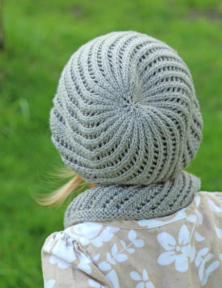 Mini Bellamy Cowl and Hat - Knitting Patterns and Crochet Patterns from KnitP...