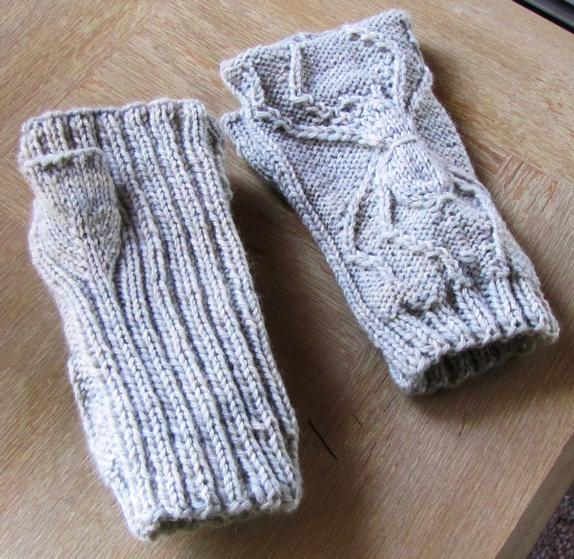 Twisted Spider Hand Warmers - Knitting Patterns and Crochet Patterns from Kni...