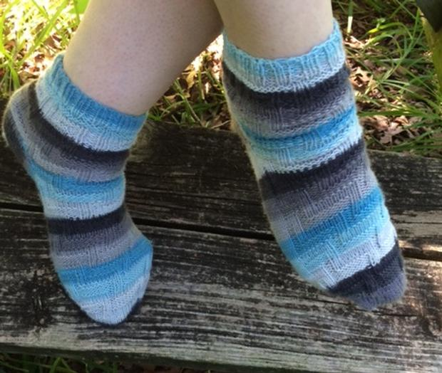 How To Knit Patterns With Self Striping Yarn Socks To Knit