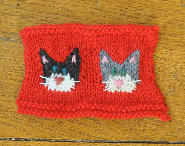 Knitting Patterns For Dogs And Cats : Dog and Cat Knitted Christmas Stocking Ornaments - Knitting Patterns and Croc...