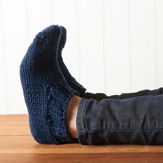 Knitting Pattern For Chunky Slippers : Chunky Slippers Pattern - Knitting Patterns and Crochet Patterns from KnitPic...