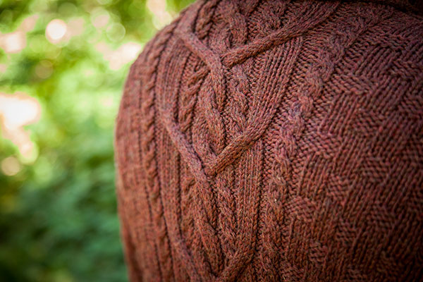 Knit Picky Free Patterns : Mountain House Pullover - Knitting Patterns and Crochet Patterns from KnitPic...