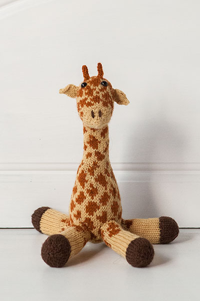 Knitting Pattern Giraffe : Giselle the Giraffe - Knitting Patterns and Crochet Patterns from KnitPicks.c...