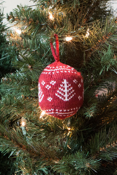 Festive Fair Isle Ornaments - Knitting Patterns and Crochet ...