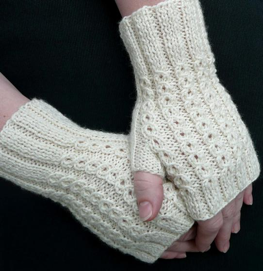 Knitted Shamrock Pattern : BonBons Fingerless Mitts - Knitting Patterns and Crochet Patterns from KnitPi...