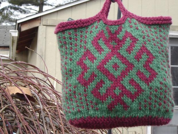 Hand Purse Patterns : Slavic Star Hand Bag - Knitting Patterns and Crochet Patterns from ...