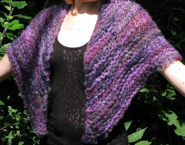Cloud On Her Shoulders Shawl - Knitting Patterns and Crochet Patterns from Kn...