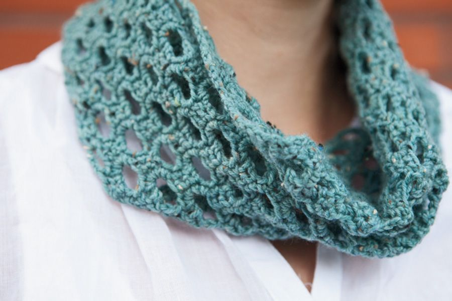 Swiss Tweed Crochet Cowl Pattern - Knitting Patterns and ...