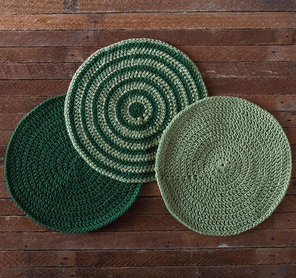 Round Knitted Dishcloth Patterns : Orbital Crochet Dishcloth - Knitting Patterns and Crochet Patterns from KnitP...