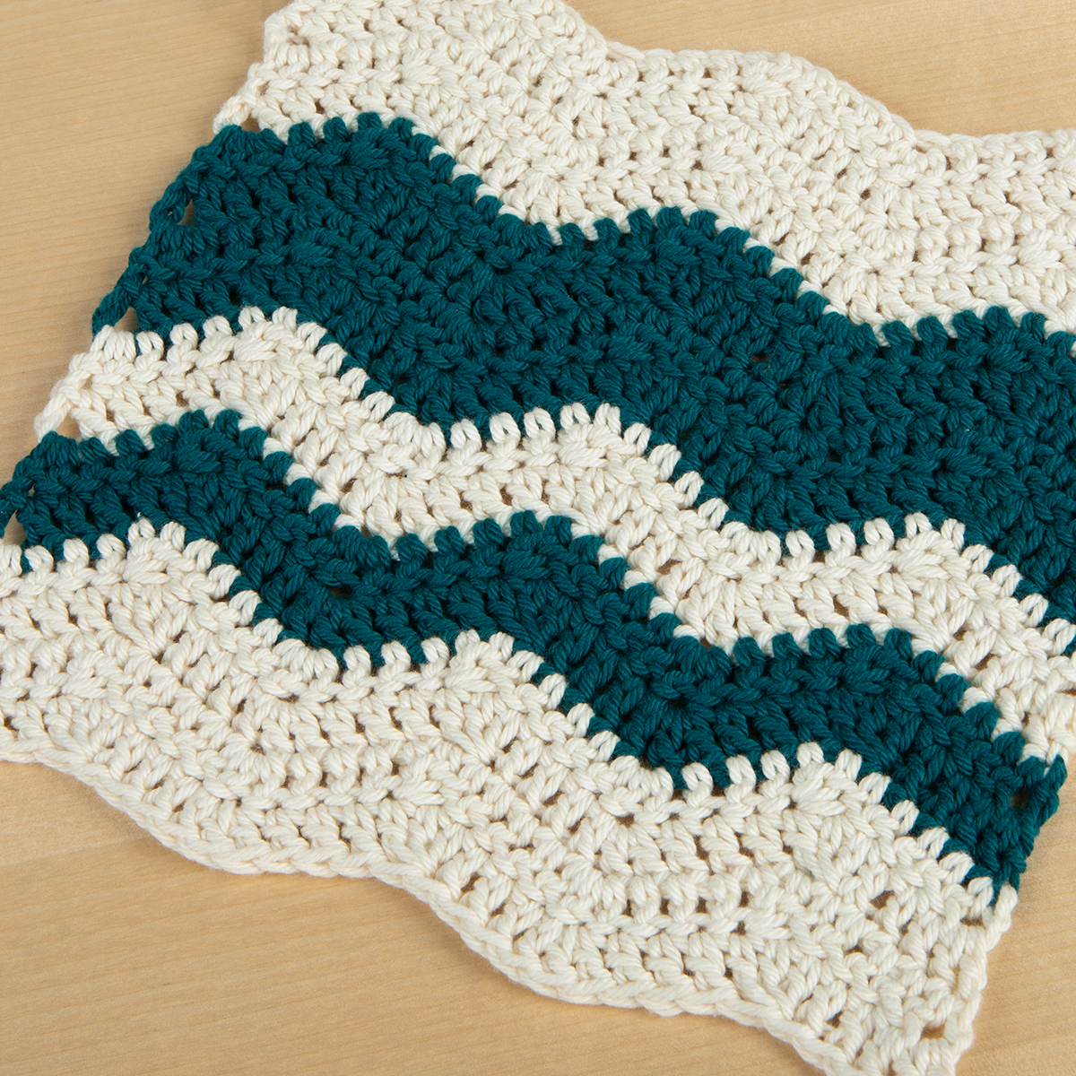 Crochet Patterns Free For Beginners Dishcloths : Wavy Chevron Crochet Dishcloth - Knitting Patterns and ...