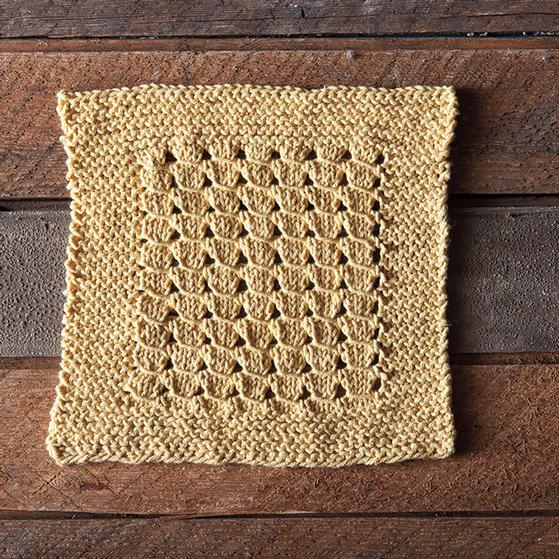 Lace Dishcloth Knitting Pattern : Mrs Hunters Dishcloth - Knitting Patterns and Crochet Patterns from Knit...