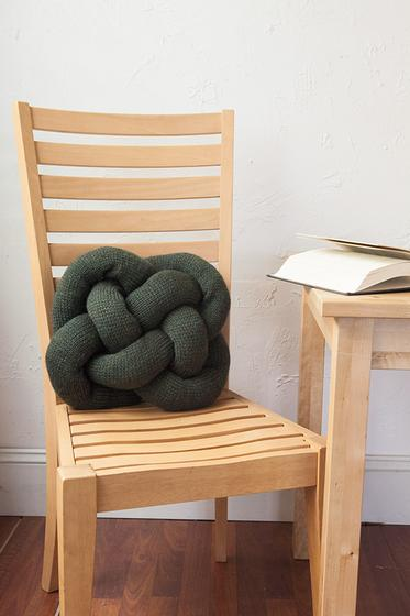 Celtic Knot Pillow - Knitting Patterns and Crochet Patterns from KnitPicks.com