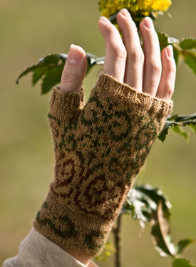Swirly Gig Fingerless Mitts Pattern